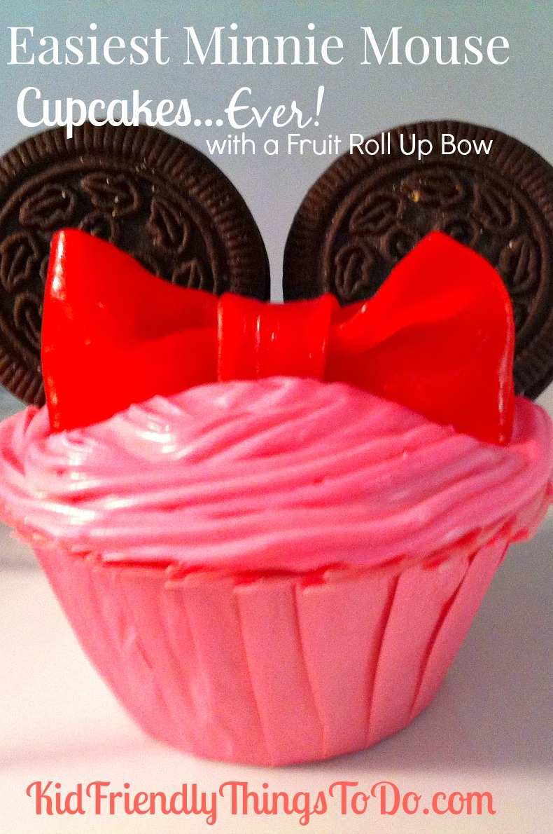 Easiest Minnie Mouse Cucake Idea, EVER! No fondant bows! These are made of fruit roll ups! Brilliant! Perfect for a birthday party!