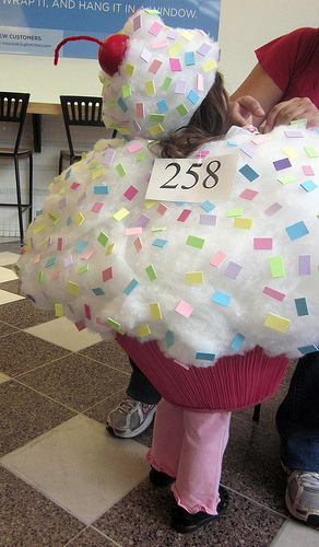 DIY Halloween Costume! A Cupcake made from an upside down lampshade! So creative!