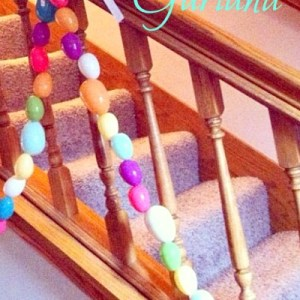 Easter Egg Garland Craft, and adorable decoration!