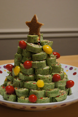 Over 20 Non-Candy, healthy fruit and vegetable Christmas snacks for kids school classroom Christmas parties  - www.kidfriendlythingstodo.com