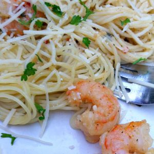 Healthy, Light and Easy Lemon Shrimp Scampi Recipe - KidFriendlyThingsToDo.com