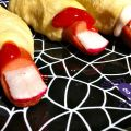 My kids couldn't get enough of these grossly cool lumberjack fingers. The perfect hot dog fun food for Halloween parties! KidFriendlyThingsToDo.com
