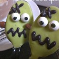 Frankenstein Chocolate Covered Spoons - A Halloween Fun Food - KidFriendlyThingsToDo.com