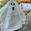 Easy Water Bottle Ghosts For Halloween Party Drinks! - KidFriendlyThingsToDo.com