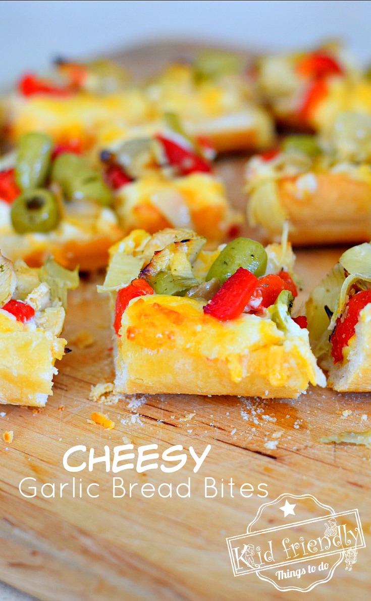 Easy Cheesy Garlic Bread Bites with toppings - www.kidfriendlythingstodo.com