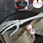 Fun Creepy Eyeballs Bubble Gum Napkin Ring for Halloween with Kids!