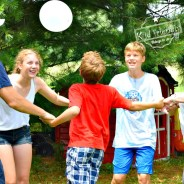 Just Keep it Up – A Fun Balloon Game for Kids, Teens and Adults to Play