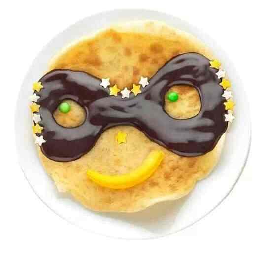 Chandeleur: recette de crêpes pour enfants en forme de super héro