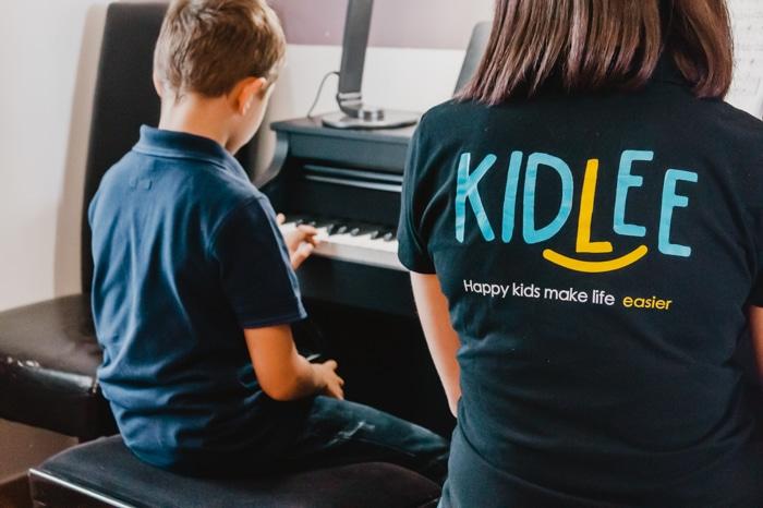 éveil musical avec le smart-babysitting Kidlee