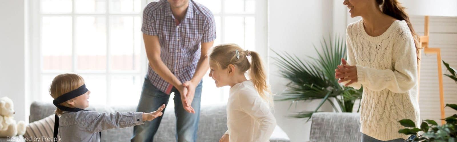Nounou à domicile : comment faire de la garde d'enfant avec un parent à la maison ?