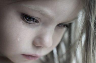 Полезните фрази, с които да успокоите притеснено или плачещо дете