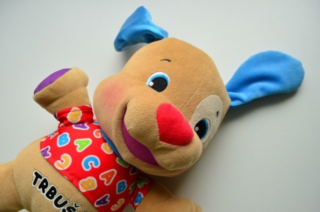 Fisher-Price-Laugh-and-Learn Love-to-Play-Puppy