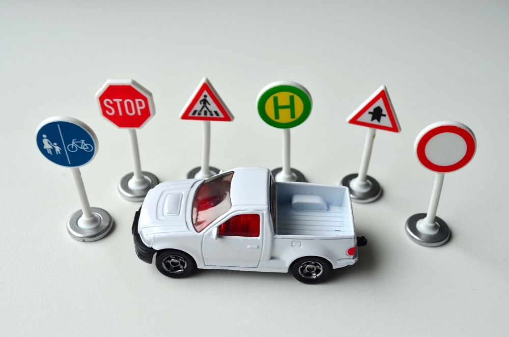 Siku Road Signs stop hospital toys