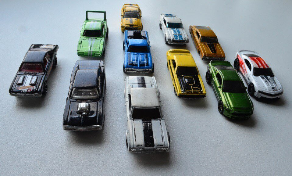 hot wheels muscle diecasts dodge camaro fords