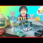Disney Cars Toys Precision Series Flo's V8 Cafe Lightning McQueen Egg Surprise Toys Ryan ToysReview