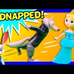 ZOOTOPIA + FROZEN Disney Queen Elsa Gets Kidnapped in Zootopia SLIME Video Toys Parody