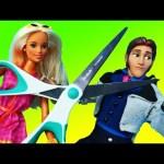 BARBIE'S BIRTHDAY MONTH Day 23 Barbie Goes Crazy Attacks Prince Hans + Frozen Elsa Dolls