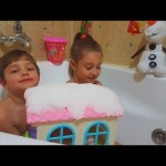 Kids playing with toys in Gelli Snow. Funny video from KIDS TOYS CHANNEL