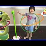 Wobbly Worm Challenge Parent vs Kid winner gets kinder surprise egg!