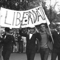 Sabes o que foi o 25 de Abril de 1974?