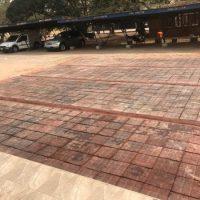 """Sacos plásticos convertidos em """"asfalto"""" no Gana"""