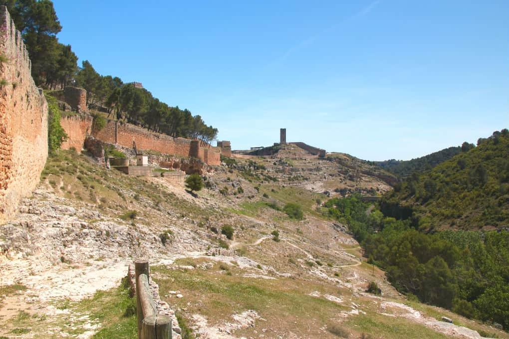Spacer wzdluz murów Alarcón