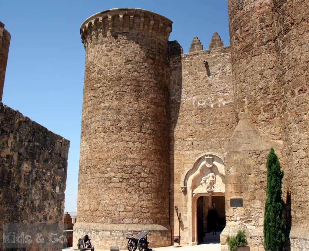 Zamek w Belmonte - Kastylia La Mancha
