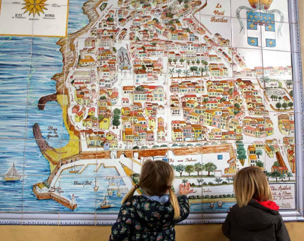 Zwiedzanie Lazurowego Wybrzeża - Antibes z dzieckiem