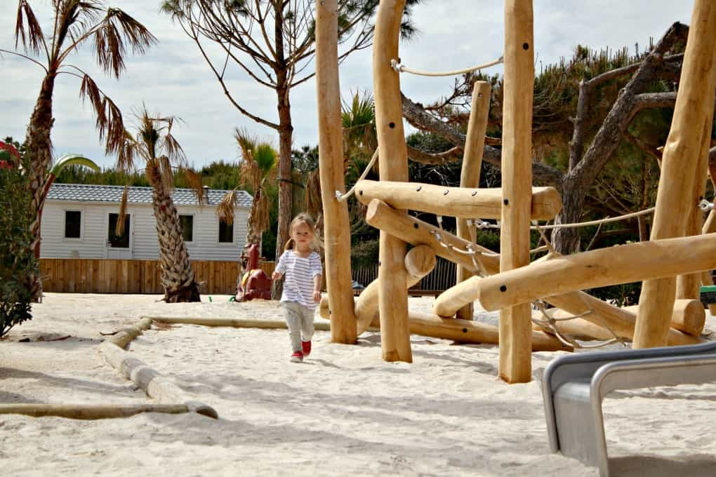 kempinigi z dzieckiem - wakacje z dziećmi weFrancji