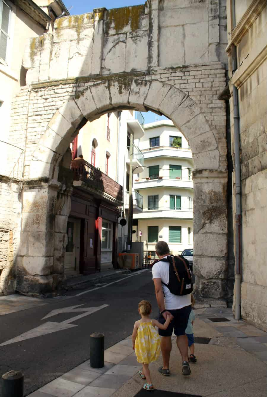 Zwiedzanie Południowej Francji - Nîmes
