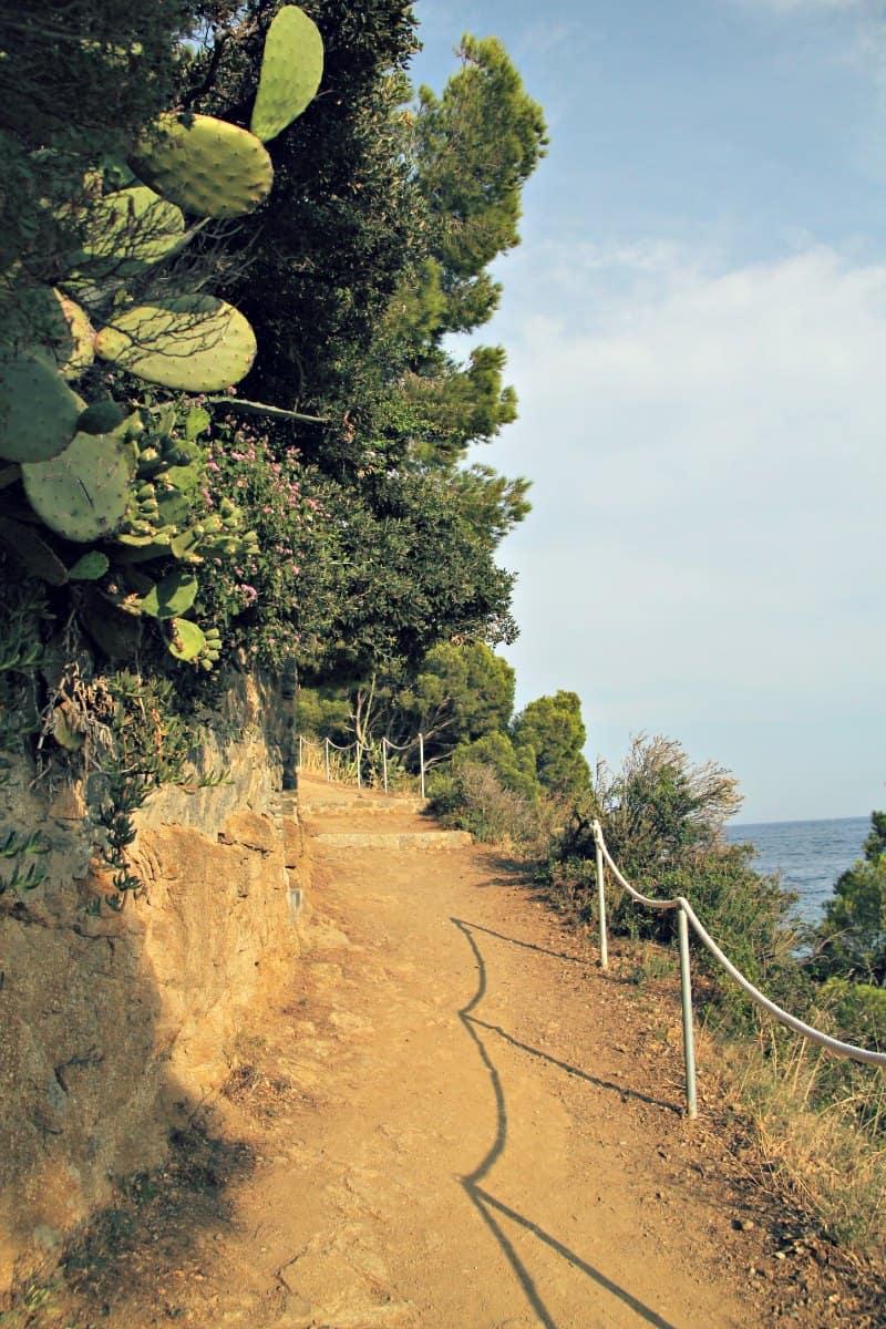 Szlaki spacerowe wzdluz wybrzeza Costa Brava