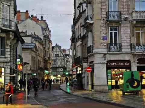 Wieczor w Dijon