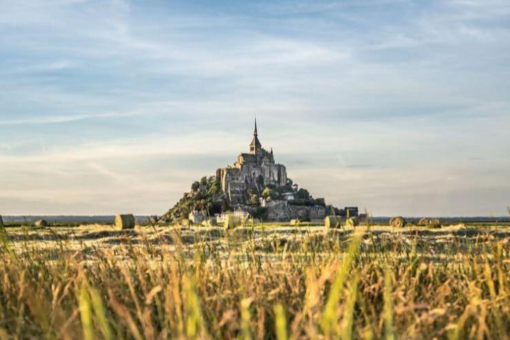 French-Novels-to-read-before-your-trip-Mont-Saint-Michel-Kids-Are-A-Trip