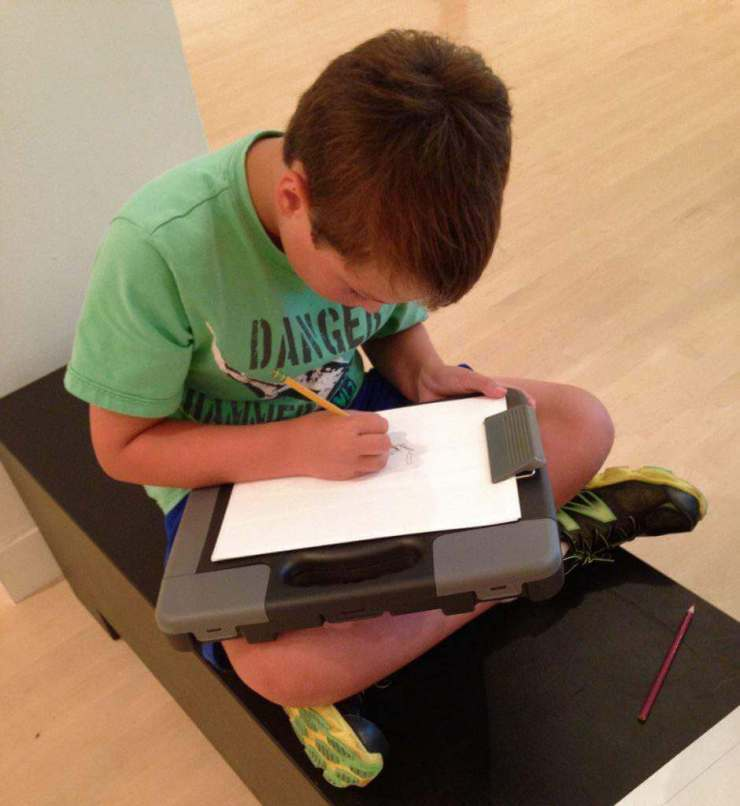 How to Survive a Museum Visit with Kids Bring Art Supplies - Kids Are A Trip