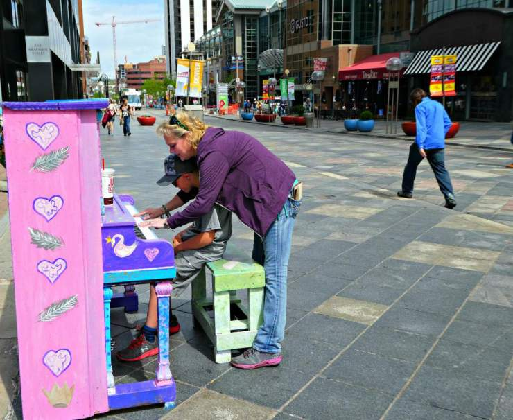 Top 5 Family Friendly Things to Do in Denver 16TH STREET MALL PIANO-Kids Are A Trip