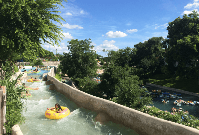 Looking for fun in the Texas sun? Don't miss these family friendly things to do in Austin, Texas! - Kids Are A Trip