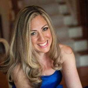 Lisa Grabelle Hilton Mom Voyage