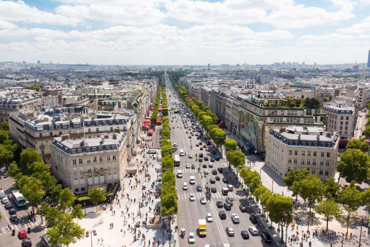 Best Places to Stay in Paris with Kids Near the Arc de Triomphe | Kids Are A Trip