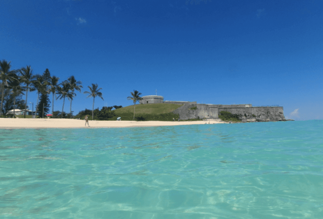 If you're looking for the perfect island getaway, look no further. We're sharing 5 family friendly things to do in Bermuda, but once you see them, you'll want to head there yourself and see the rest! - Kids Are A Trip
