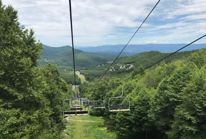 If you're looking for a family friendly resort that's perfect any time of year, Massanutten Resort outside of Washington, D.C. needs to be on your radar. - Kids Are A Trip