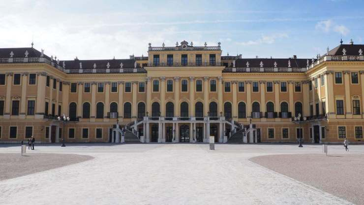 Family Friendly Things to Do in Vienna Austria Schonbrunn - Kids Are A Trip