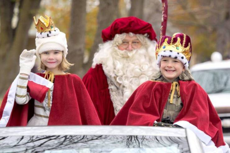 Celebrate-Christmas-in-Lindsborg-Kids-Are-A-Trip