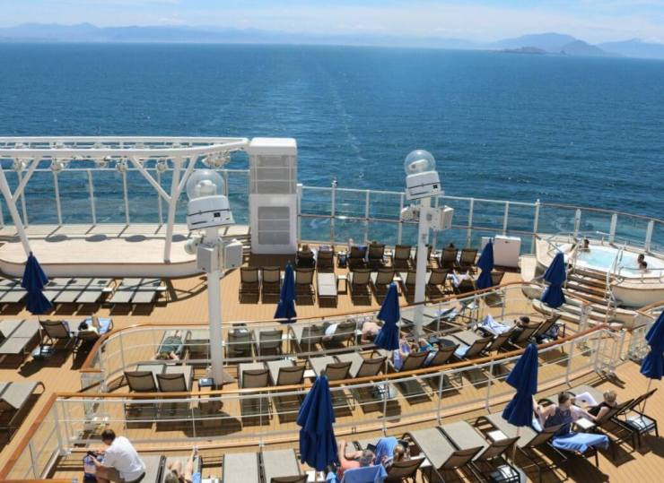 Relaxing-at-the-Vibe-Beach-Club-on-Norwegian-Bliss-Kids-Are-A-Trip