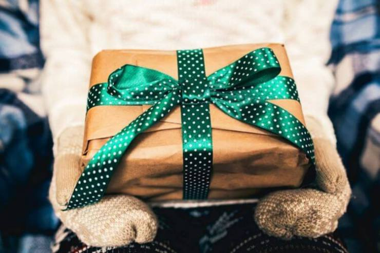 Shopping with teen girls can be difficult, shopping for them can be just as hard. Here are some of our favorite gifts for teen girls this holiday season. - Kids Are A Trip