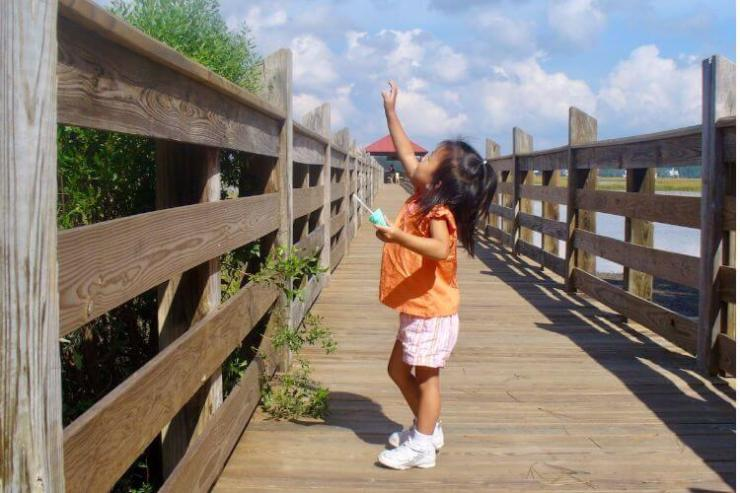 Catching-bubbles-in-Hilton-Head-Family-Travels-on-a-Budget
