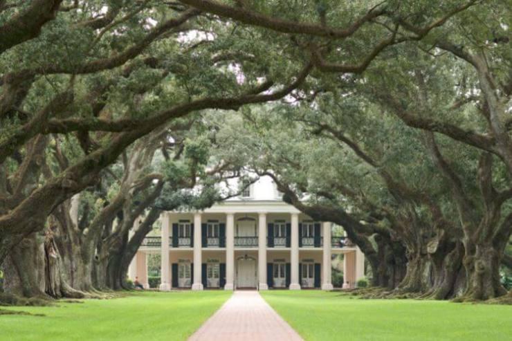 New-Orleans-Girls-Weekend-Oak-Alley-Plantation