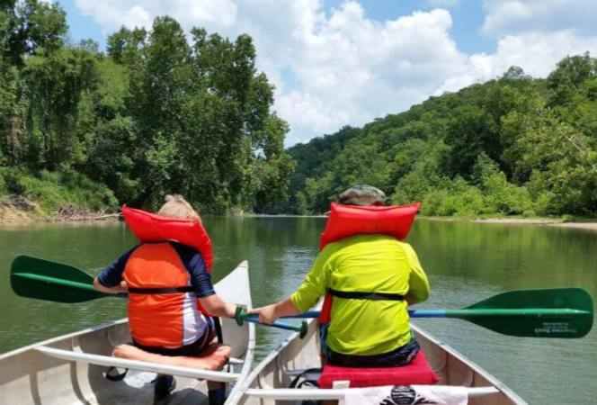There are plenty of things to do in St. Louis, but if you find yourself in the area for an extended period of time, why not take one of these day trips? Here are 5 family friendly weekend road trips from St. Louis.-Kids Are A Trip
