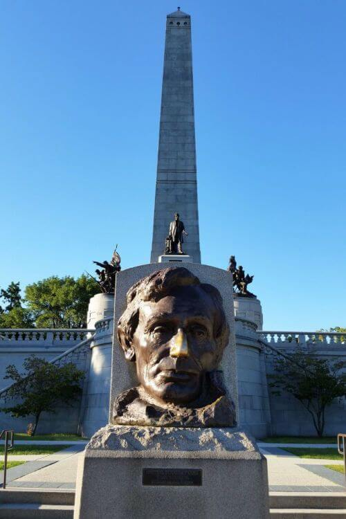 Visit-Lincoln-Tomb-Springfield-Illinois-Kids-Are-A-Trip