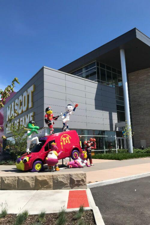 Mascot-Hall-of-Fame-Indiana-Kids-Are-A-Trip