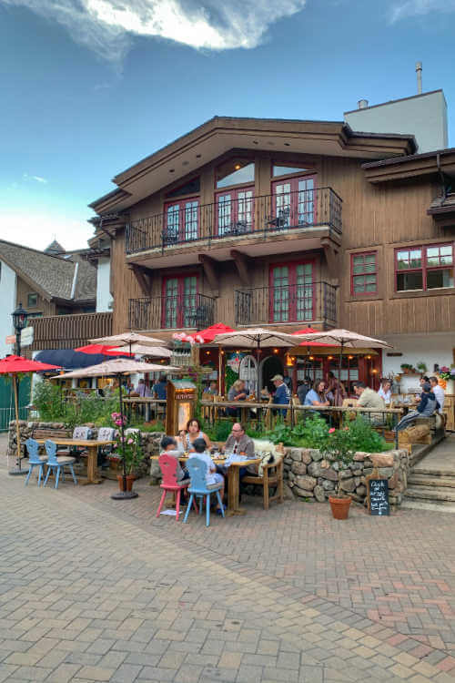 Outdoor patio Alpenrose Vail
